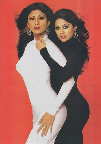 Shilpa and Shamita Shetty - Source: http://gallery.techarena.in/showphoto.php/photo/5466